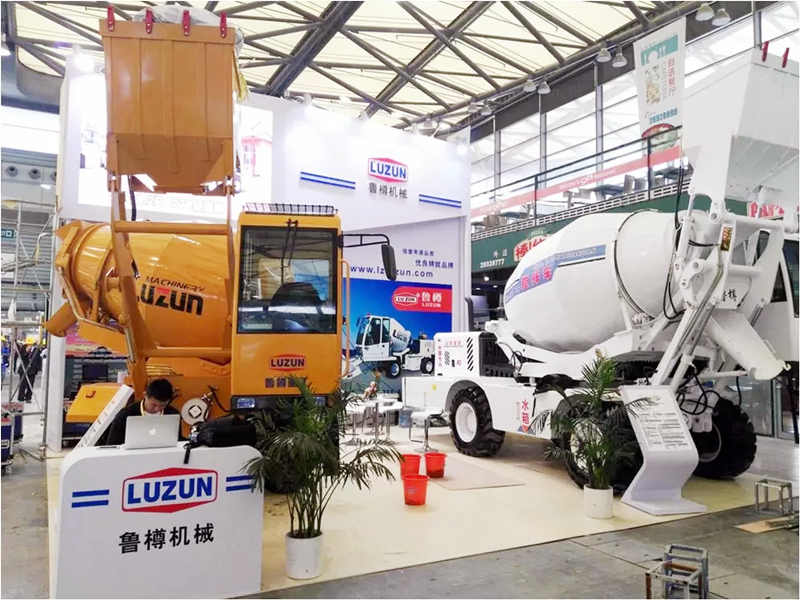 self-loading-concrete-mixer-truck-exhibition.jpg