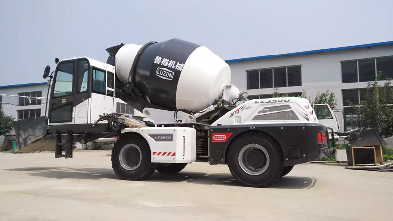 3500-self-loading-concrete-mixer-manufacturing-company-italy.jpg