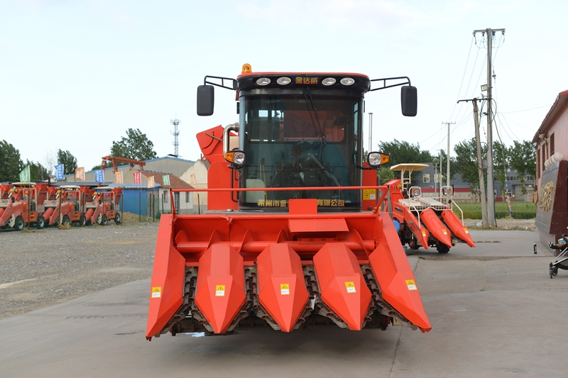 4-row-maiz-harvesting-machine-for-sale.jpg
